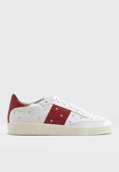 Aurora Sneaker