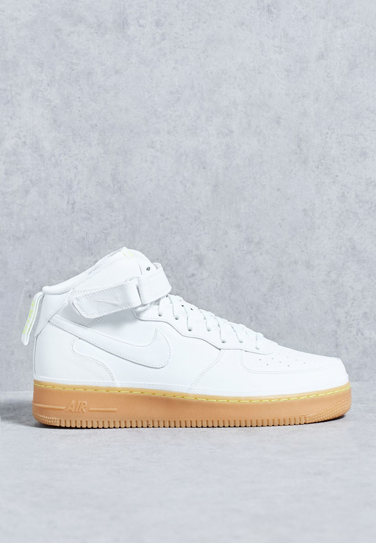 premium selection 62fb0 c770c Shop Nike white Air Force 1 Mid '07 LV8 804609-101 for Men in ...