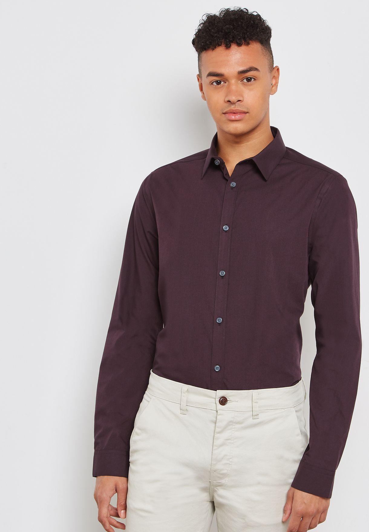 d663df7de47875 Shop New Look burgundy Slim Fit Poplin Shirt 5896411 for Men in UAE -  NE767AT01XYC