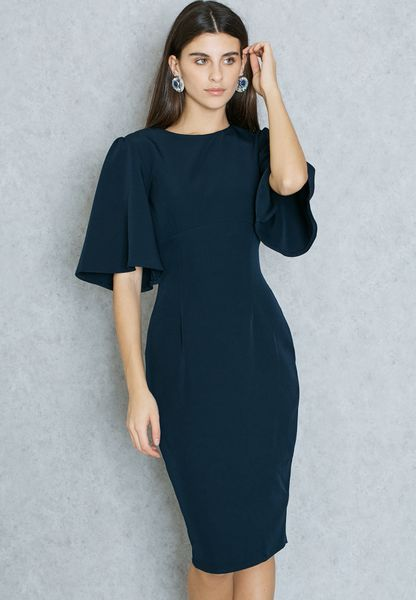 فستان بأكمام كيمونو