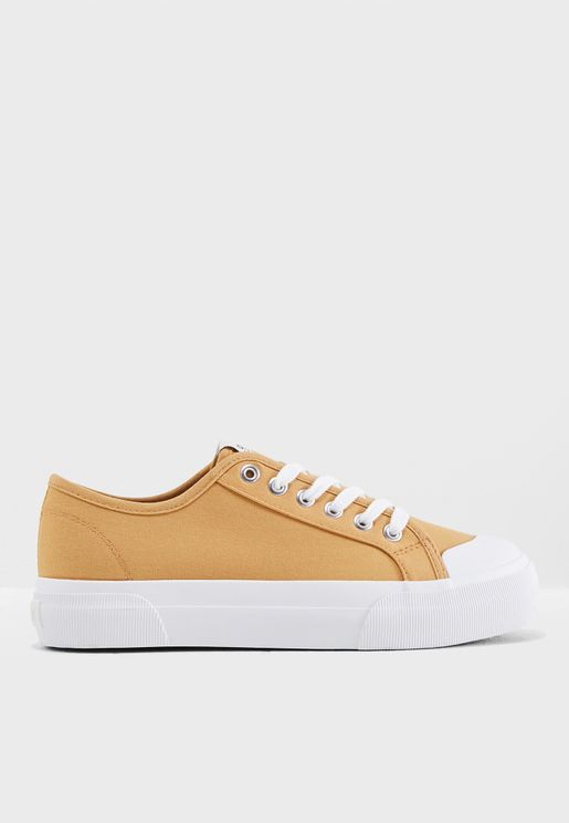 Saloni Sneakers