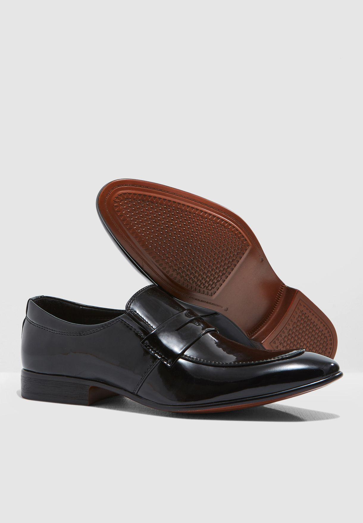 حذاء لوفر سهل الارتداء