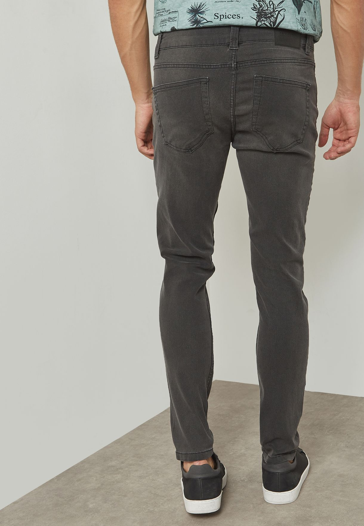 Warp Skinny Fit Washed Jeans