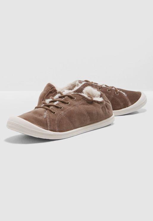 Bailey Low Top Sneaker