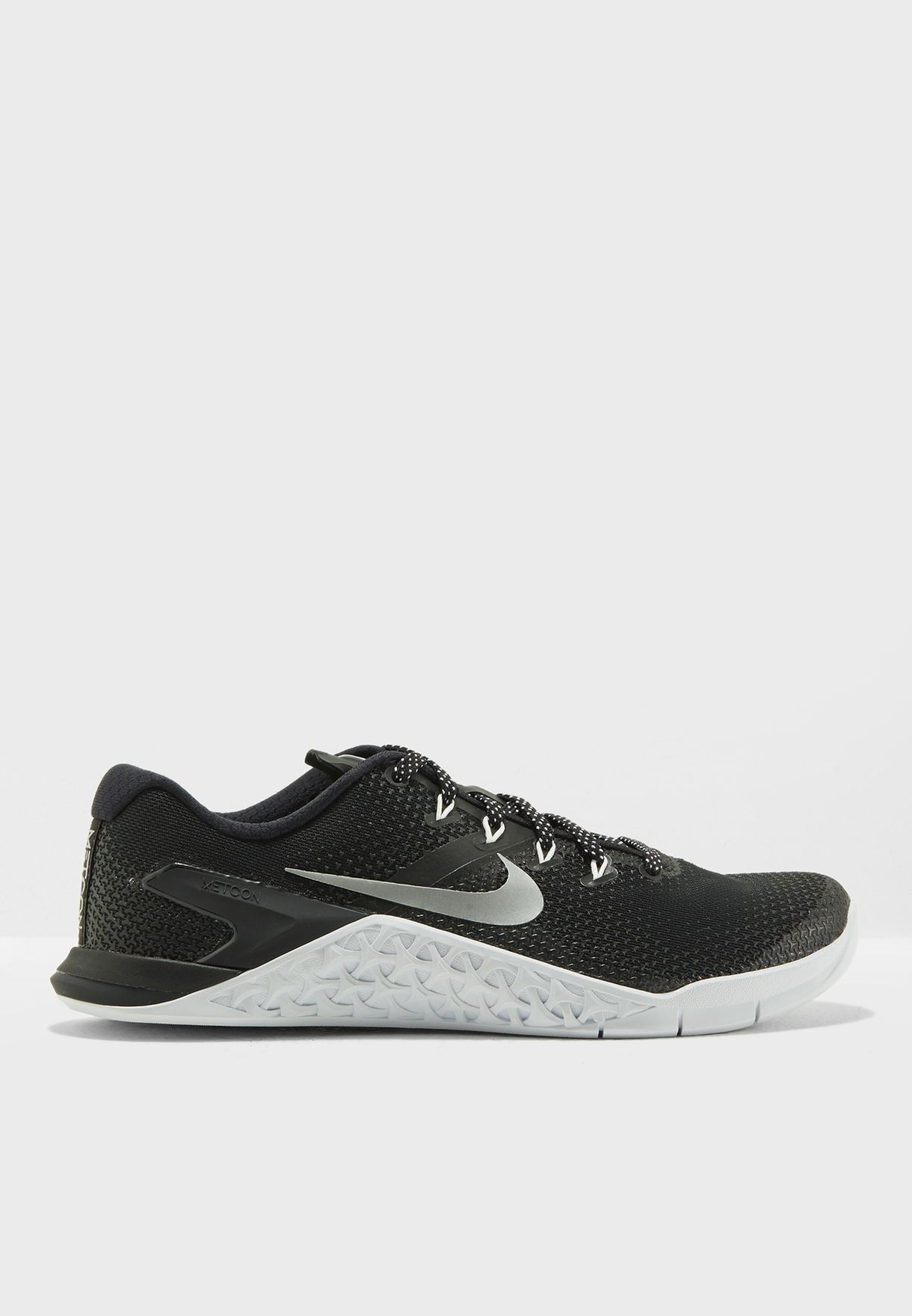 wholesale dealer 8bc44 1a3a5 Shop Nike black Metcon 4 924593-001 for Women in UAE - NI727SH90QYZ
