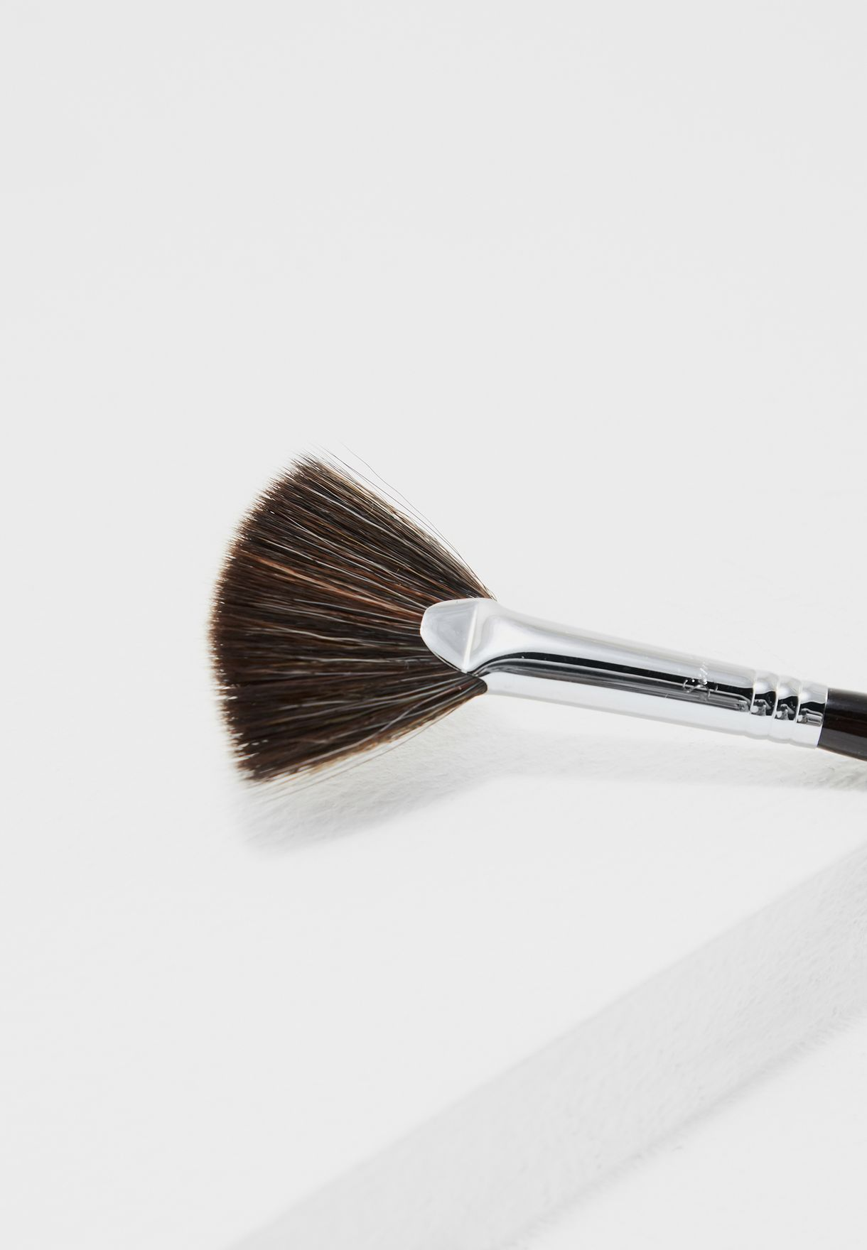 Strobing Fan Brush