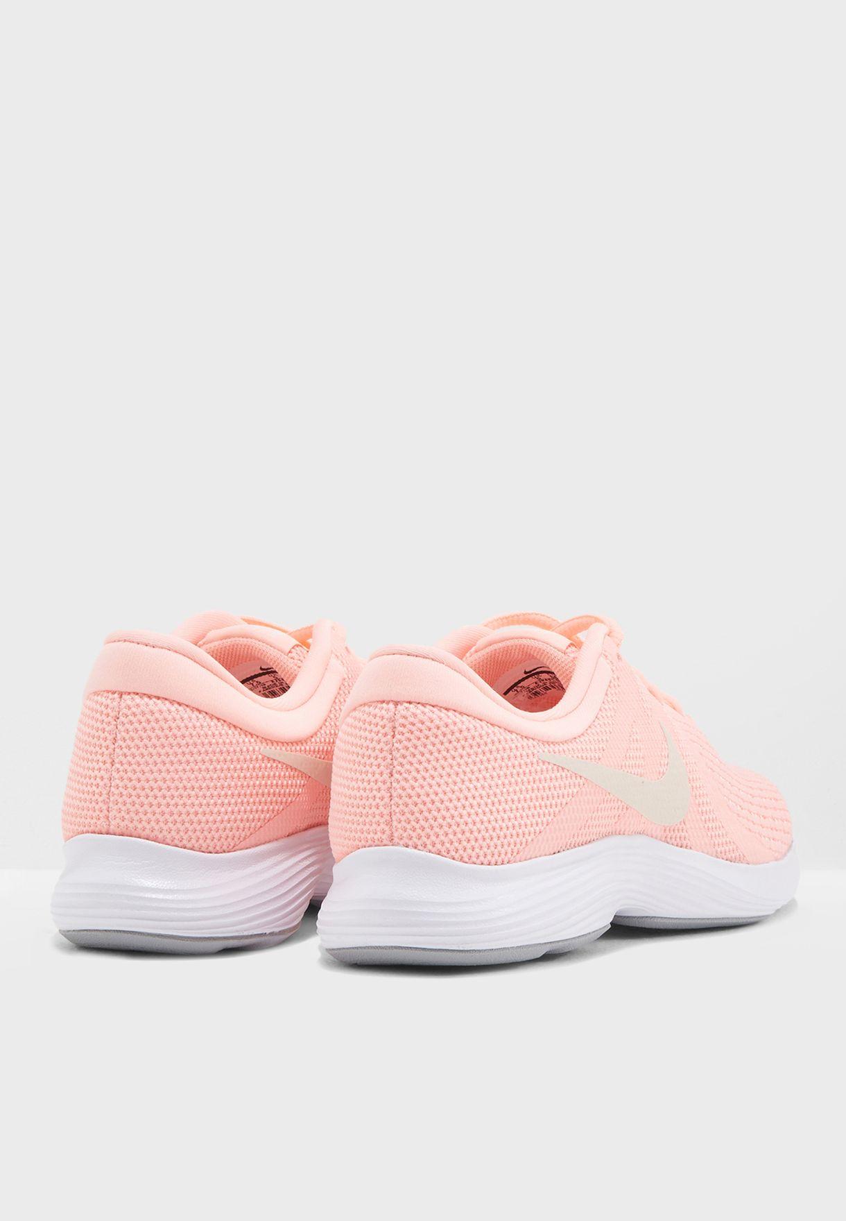 حذاء ريفولوشن 4 اي يو