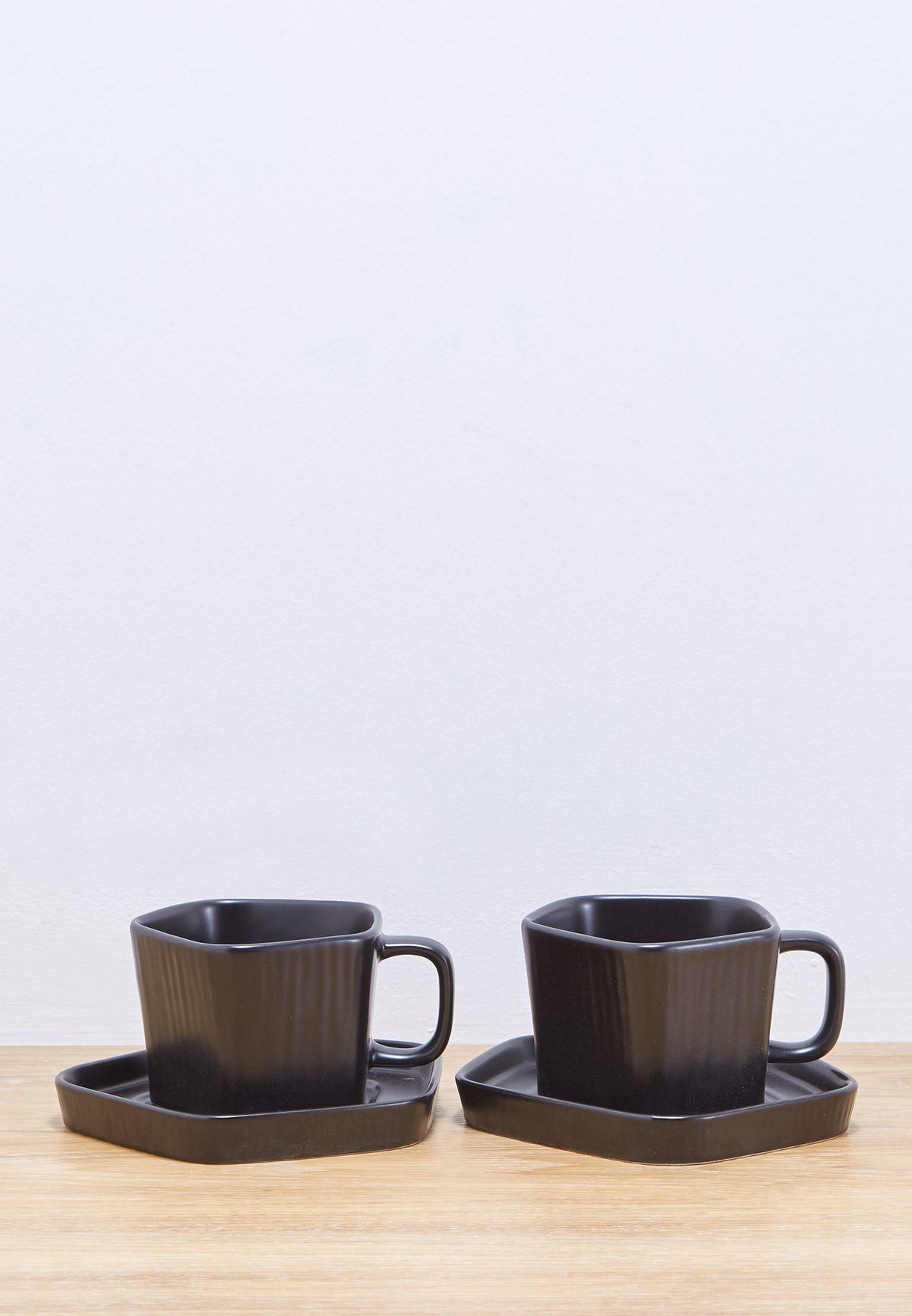 كوبان وطبقان للشاي