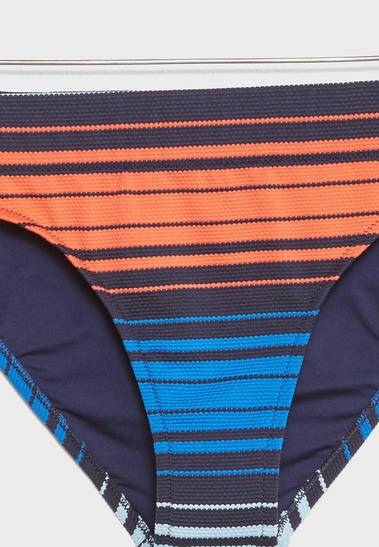سروال بيكيني بخطوط