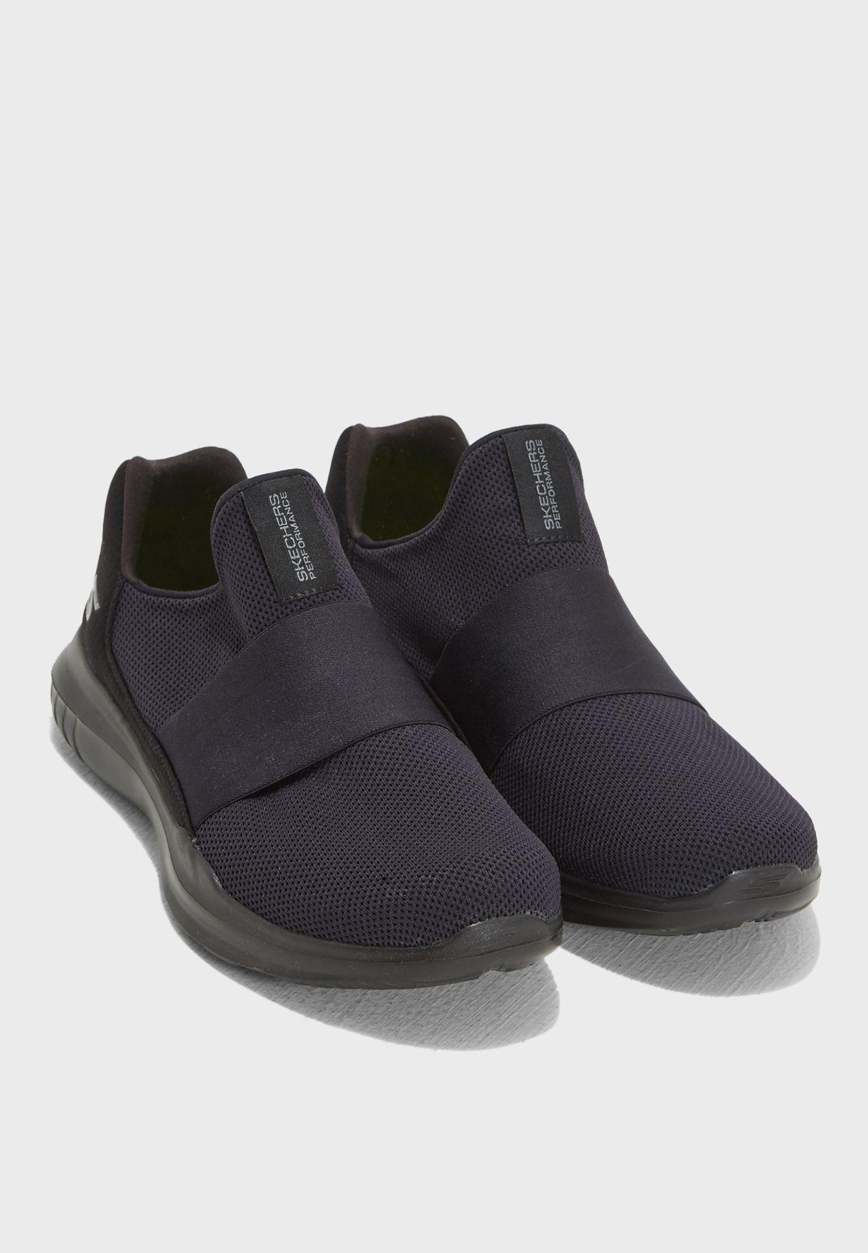Buy Skechers black Go Run Mojo - Mania