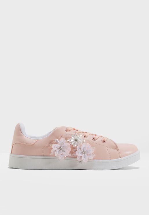 Bella Sneaker