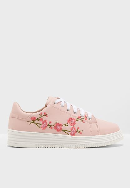 Audrey Flower Embroidered Sneaker