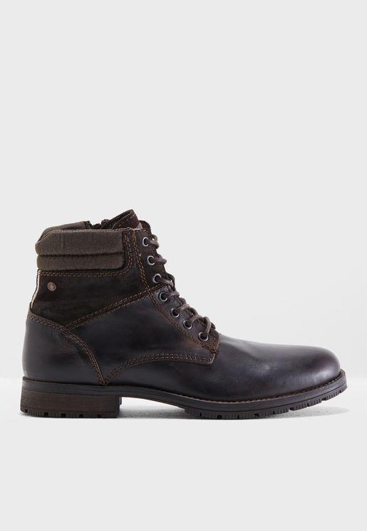 Zachary Boots