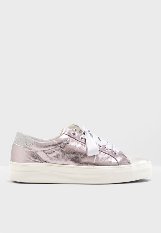 Fierce Low Top Sneaker