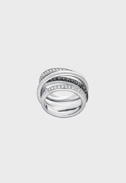 Small Dynamic Band Ring