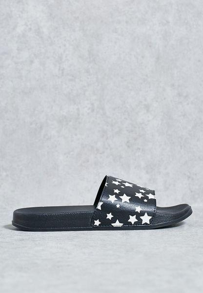 حذاء سهل الارتداء بطبعة