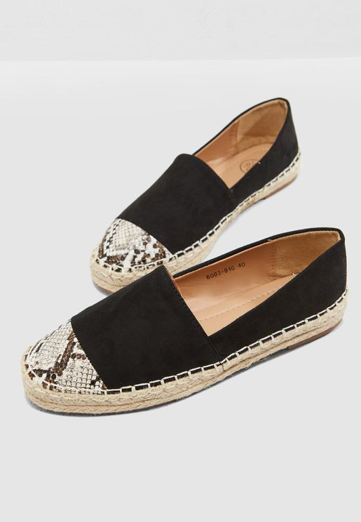 Espadrilles With Snake Print Toe