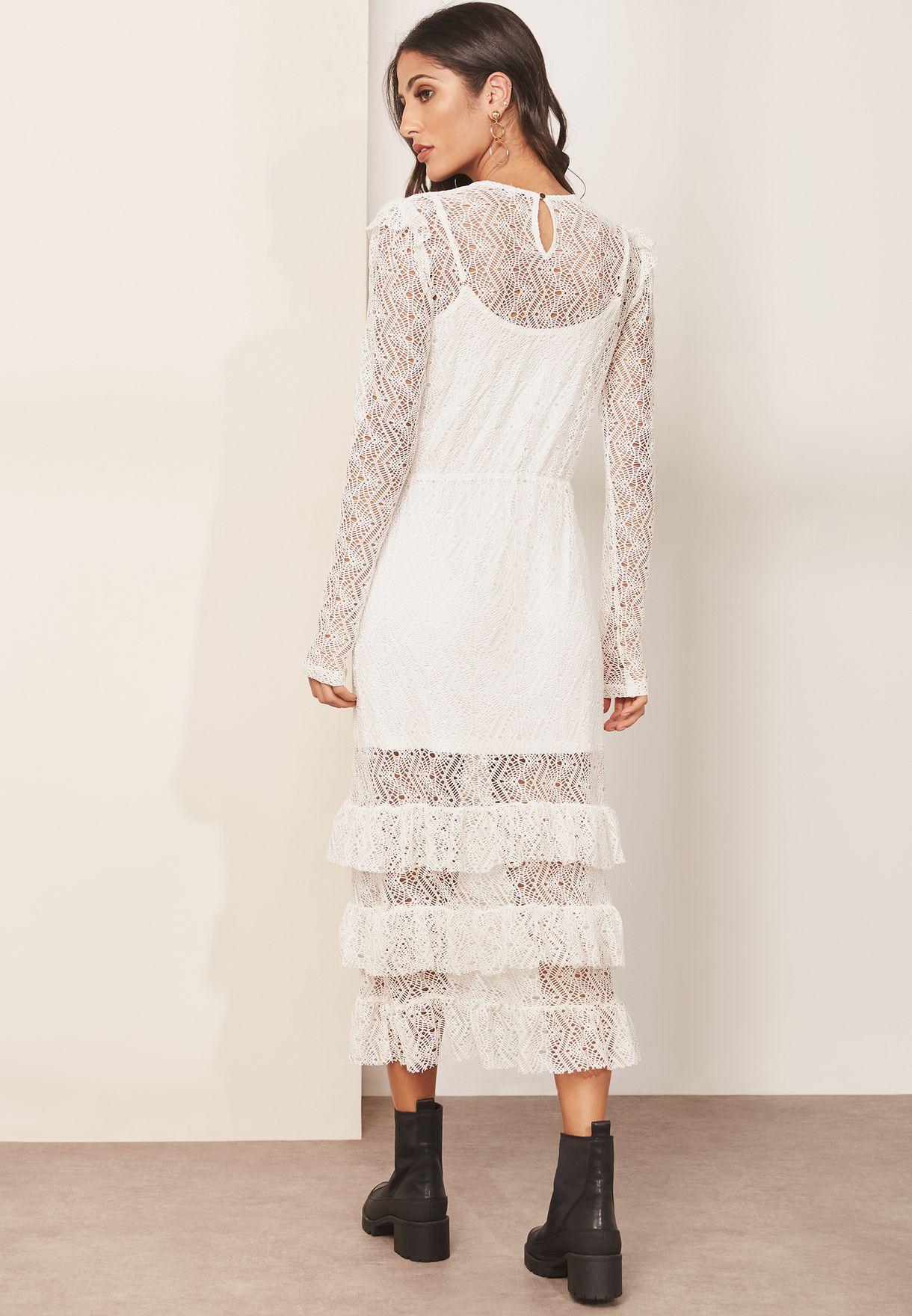 فستان دانتيل مزين بكشكش