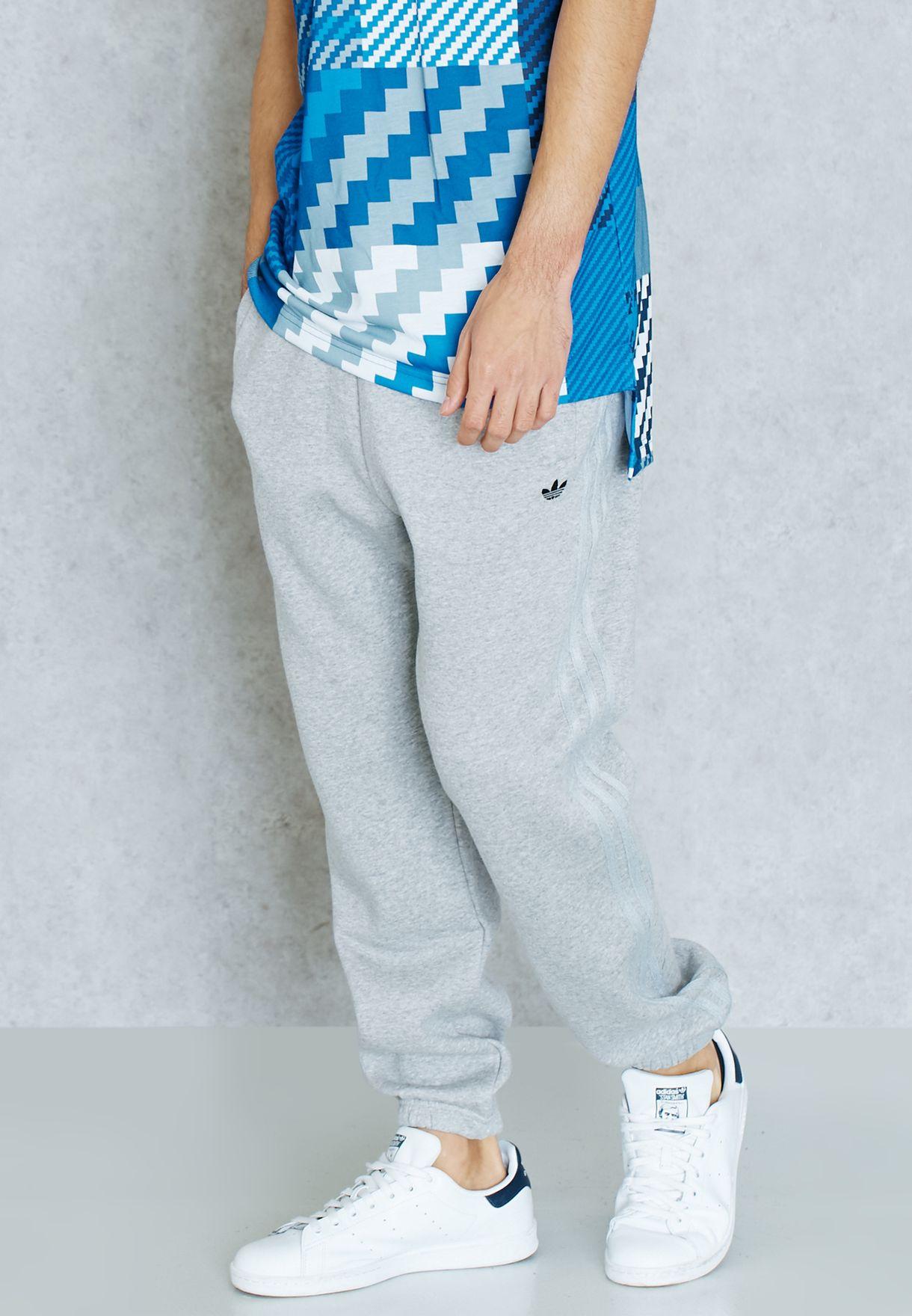 Shop adidas Originals grey Classic Trefoil Sweatpants AZ1111 for Men in  Oman - AD478AT50QHP b7eb76f988