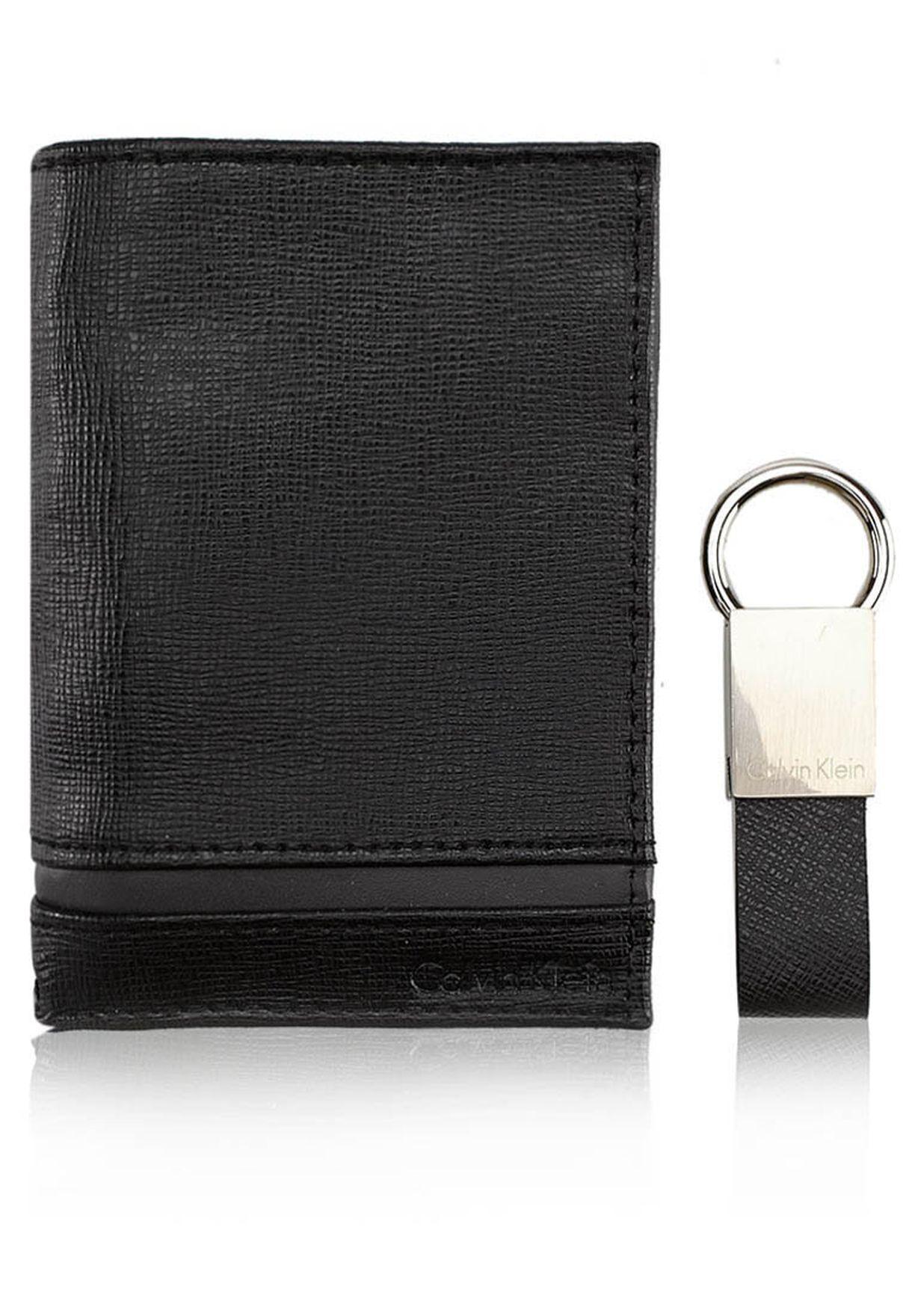 a32e4078cf4fb تسوق حامل بطاقات ماركة كالفن كلاين لون أسود في السعودية - CA787AC50SVH