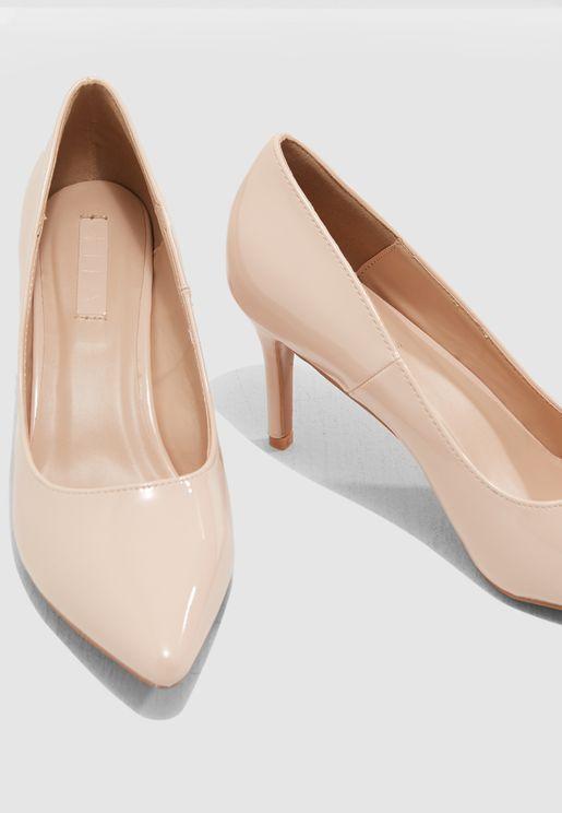 حذاء كلاسيكي