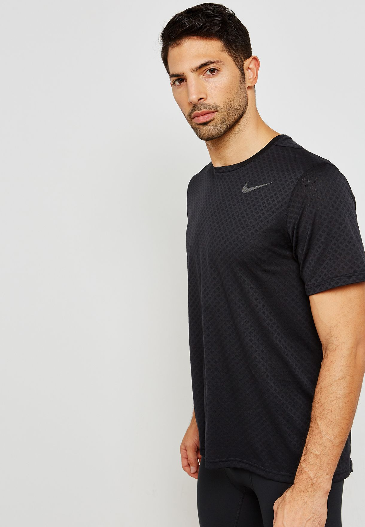 d106127fbee0a Shop Nike black Breathe Vent T-Shirt 886742-010 for Men in UAE ...