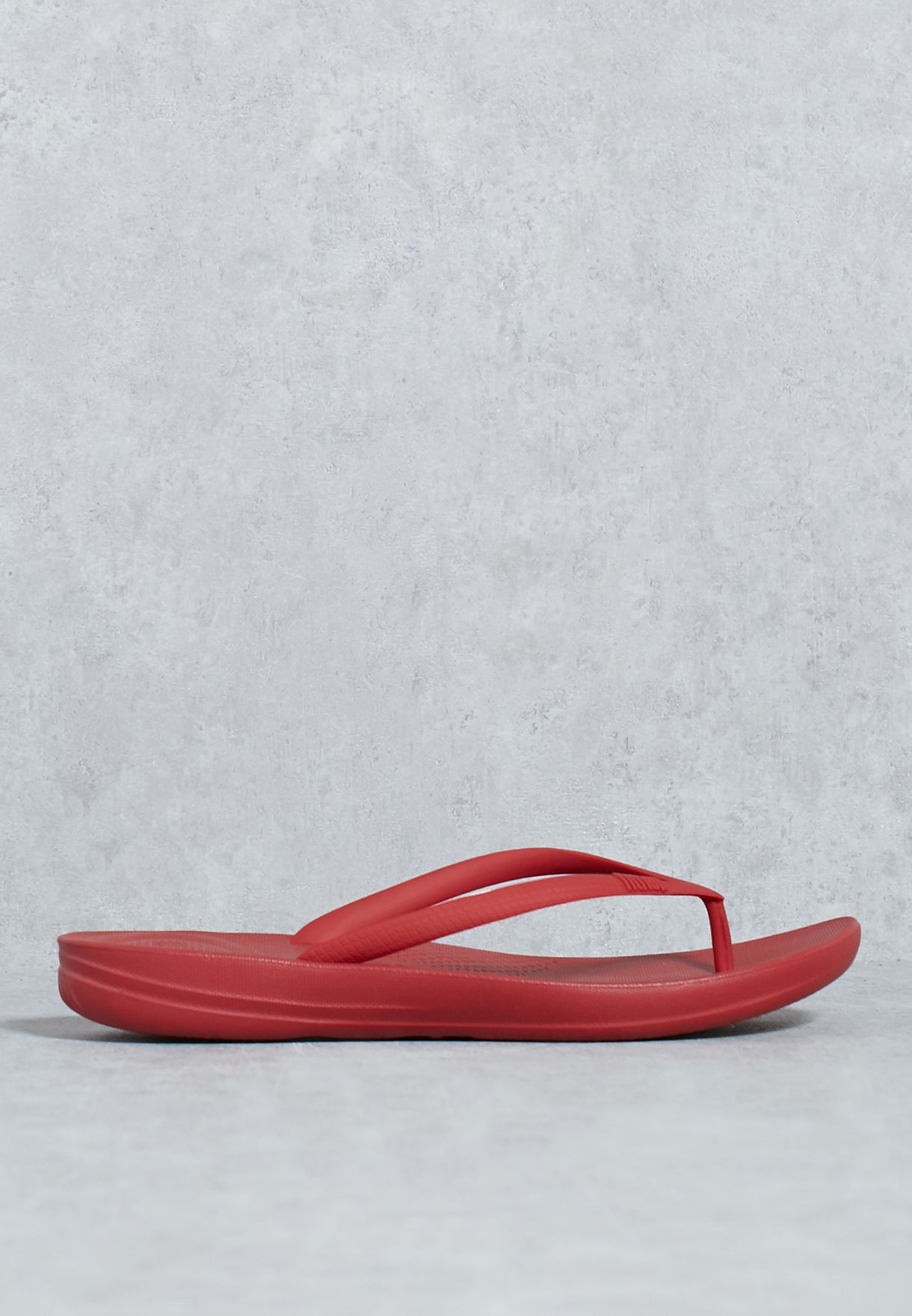 9d65afae9ce27 Shop Fitflop red Iqushion Ergonomic Flip-Flops E54-203 for Women in ...