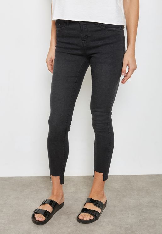 Ankle Cut Washed Jeans
