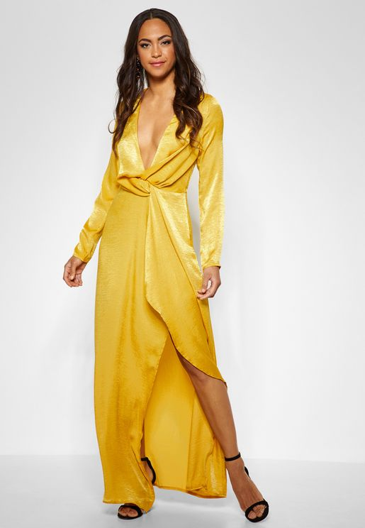 فستان ساتان بنمط لف