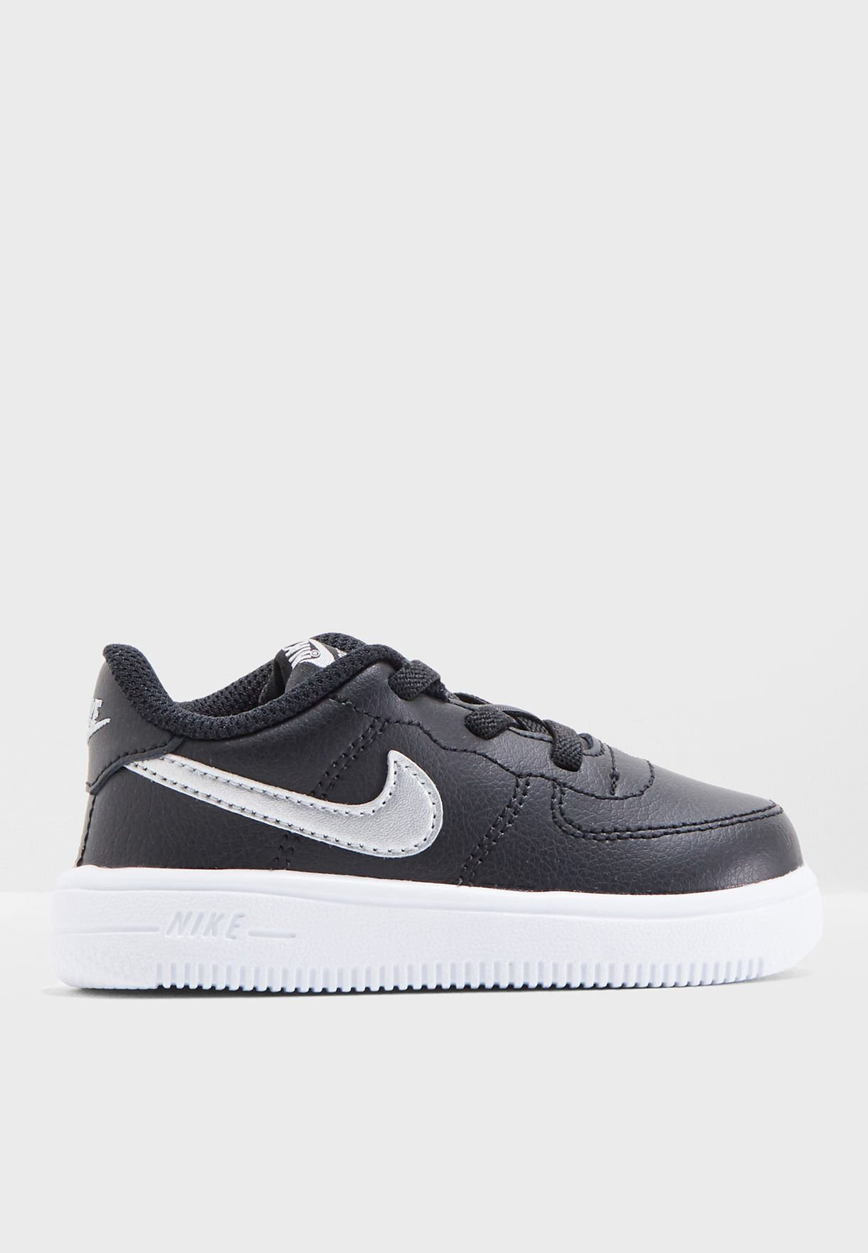 bc18aab11 Shop Nike black Infant Force 1   39 18 905220-003 for Kids in UAE ...