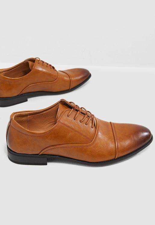 حذاء اكسفورد كلاسيك بأربطة