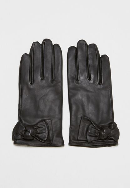 Knotted Gloves