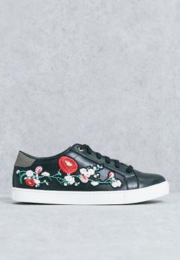 KINZA Sneakers