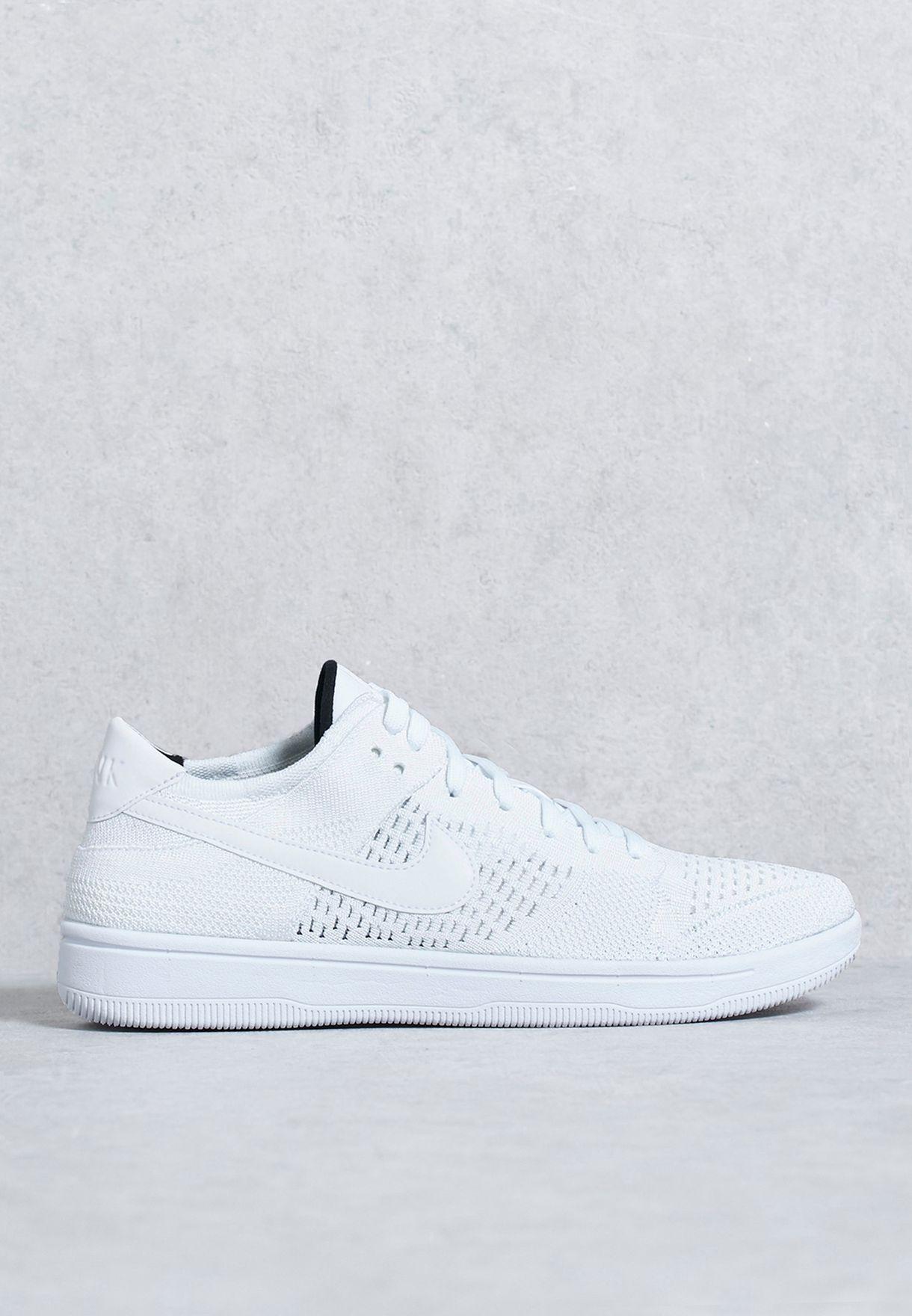 20f4e2d10ac98 Shop Nike white Dunk Flyknit 917746-101 for Men in UAE - NI727SH30EJP