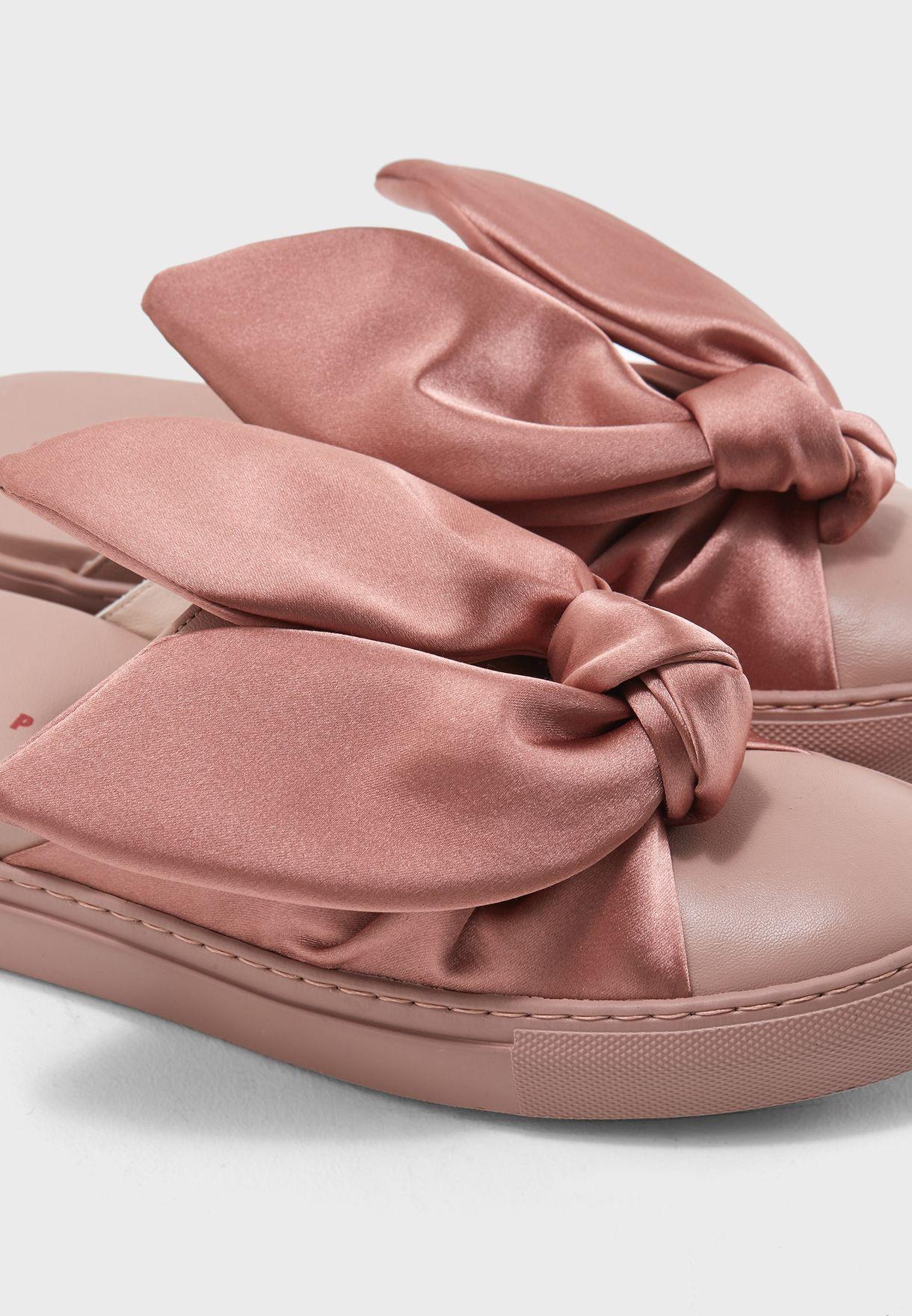 حذاء بارونيت سهل الارتداء