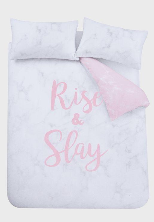 طقم شراشف لسرير مزدوج بطبعة كتابة