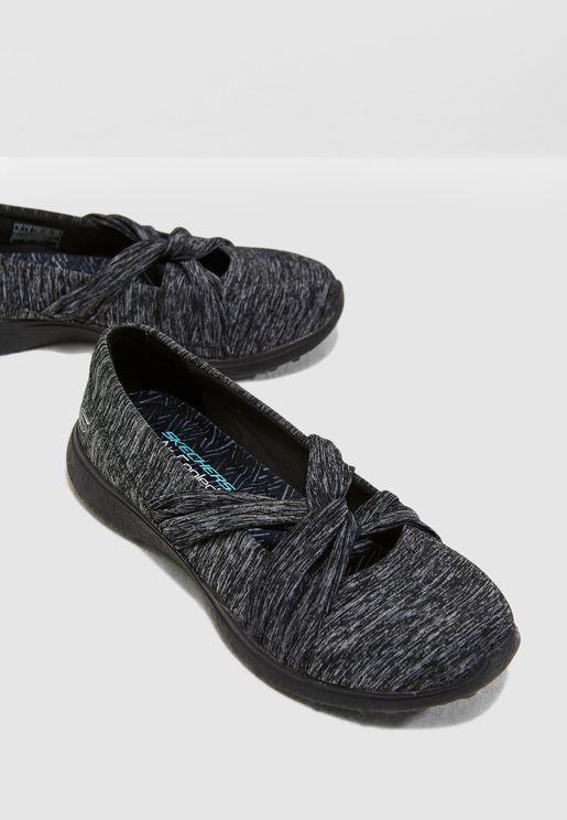 حذاء ميكرو برست