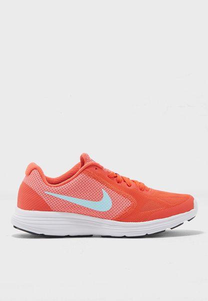 حذاء ريفوليوشن 3