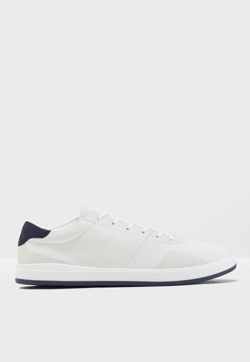 Hollis Sneakers
