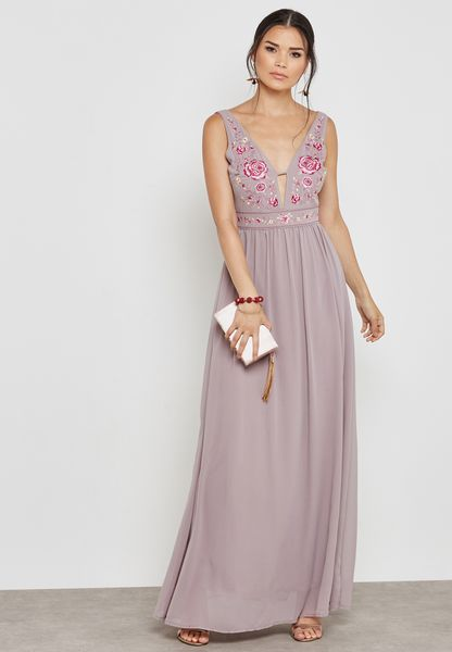 Floral Embroidered Pleated Maxi Dress