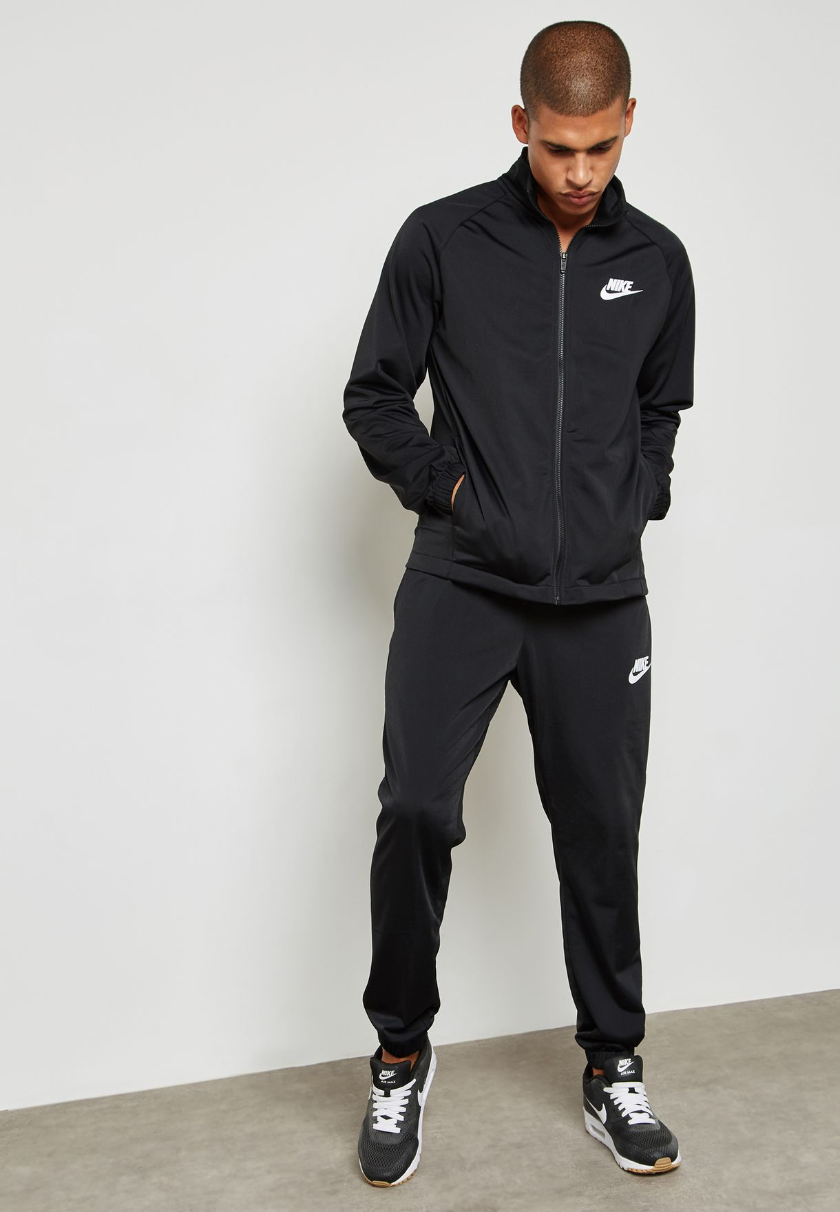ad562a585 Shop Nike black Basic Tracksuit 861780-010 for Men in UAE - NI727AT20YKD