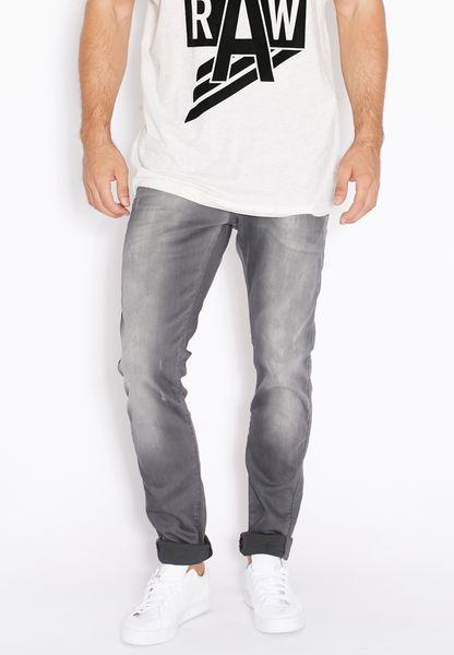 بنطال جينز ضيق