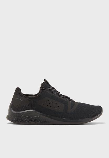 حذاء فيزيتورا