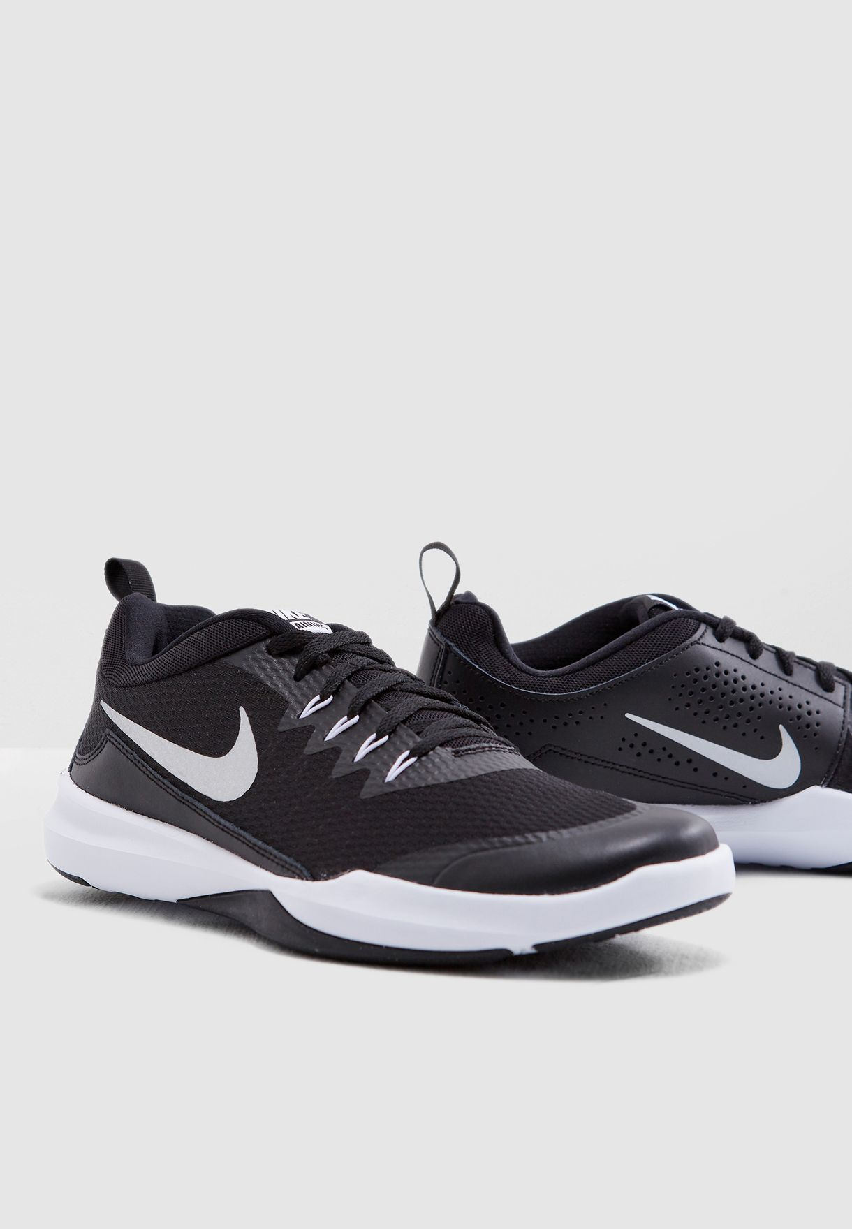 2bcd33f0eaf Shop Nike black Legend Trainer 924206-001 for Men in Qatar - NI727SH20YYH