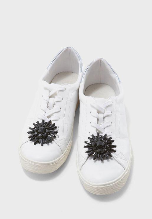مشبك بشكل وردة لتزيين الحذاء