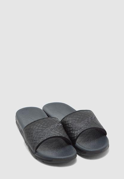 Benassi Solarsoft. Nike