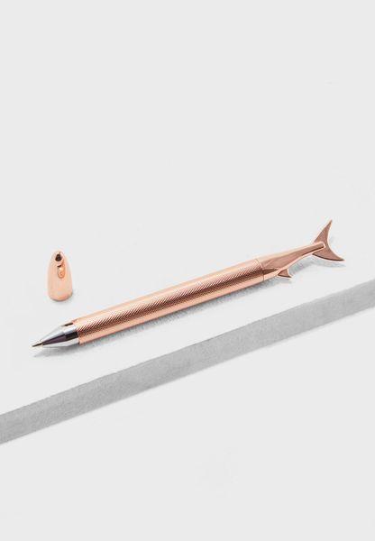 قلم بشكل سمكة