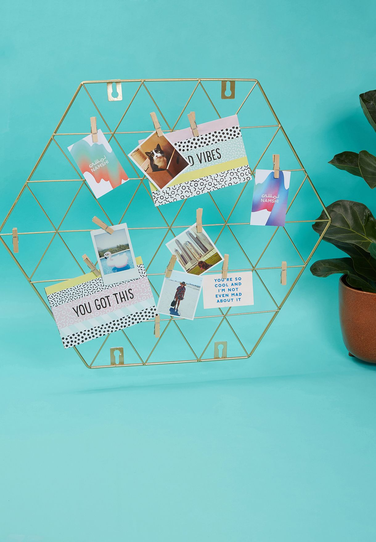 Hexagon Wire Photo Holder