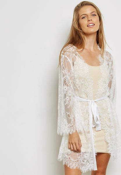Lace Scallop Detail Robe
