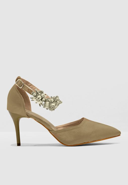 Pointed Toe Court Shoe With Ankle Embellishment